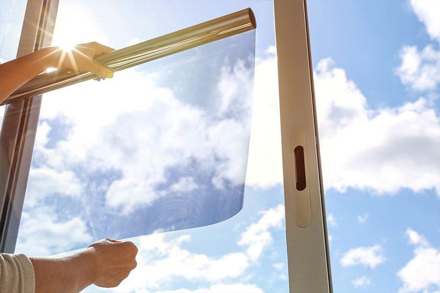 O  insulfilme para janela pode reduzir o brilho e a intensidade do sol